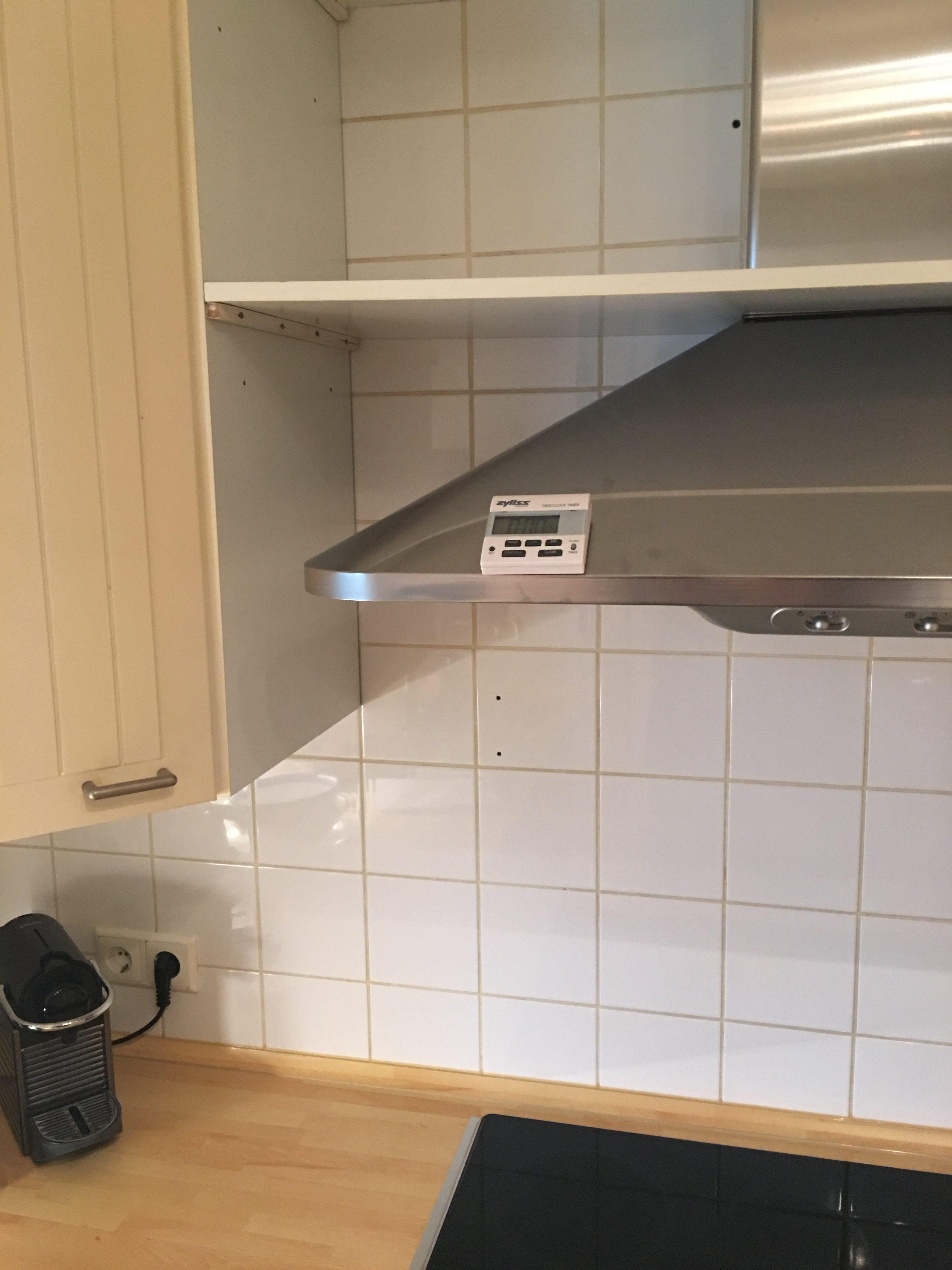 """Vorher: Küche in """"klassischem"""" Weiß"""